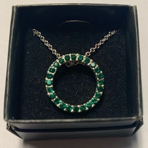 Jewelry - Emerald Green Crystal Circle Necklace.